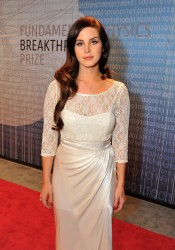 Lana Del Rey - 2014 Breakthrough Prizes Awarded in Fundamental Physics and Life Sciences Ceremony in Mountain View, California 12/12/13