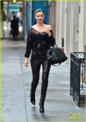 Miranda Kerr - Out in NYC 12/19/13