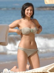 Cheryl Burke Wearing a Bikini in Maui on December 20, 2013