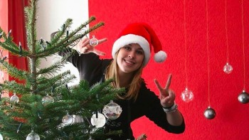 Giulia Steingruber - Xmas - Wallpaper - Wide - x 1
