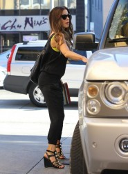 Kate Beckinsale - Shopping in Santa Monica 1/5/14