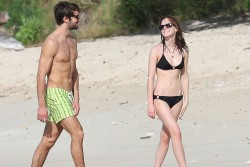 cd72b1300353837 Emma Watson   Bikini Candid on Holiday 2014