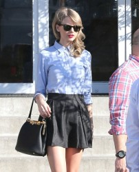Taylor Swift - out in Culver City 1/19/14