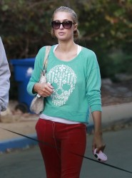 Paris Hilton - out for a hike in Beverly Hills 1/19/14