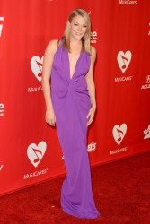 LeAnn Rimes - 2014 MusiCares Person of the Year Gala in LA 1/24/14
