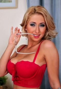 Порно модель carina shay