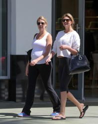 Kate Upton - Hanging out with her sister in Miami 3/14/14