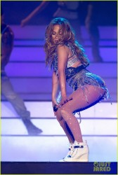 Jennifer Lopez - Perfomring at the Dubai World Cup 3/29/14