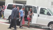 Nina Dobrev talking with fans at SDCC (July 20) 0b112c319506045