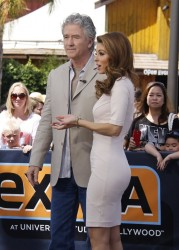 Maria Menounos on the Extra Set in Universal City on April 9, 2014
