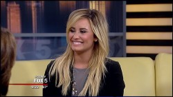 Demi Lovato - Good Day New York 13th September 2013 720p