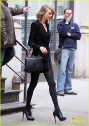 Taylor Swift - Out in NYC 4/17/14