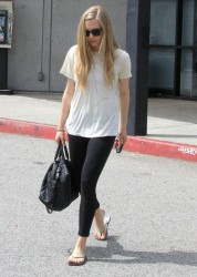 Amanda Seyfried - Leaving a FedEx Shipping Center in West Hollywood 4/18/14