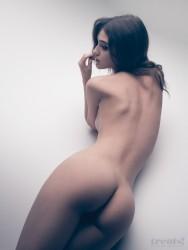 http://thumbnails109.imagebam.com/32363/2e531c323628487.jpg