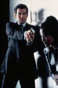 Джеймс Бонд 007: Завтра не умрёт никогда / Tomorrow Never Dies (Пирс Броснан, 1997) 8bf43a324381914