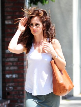Minka Kelly - O&A in Los Angeles 05/09/2014