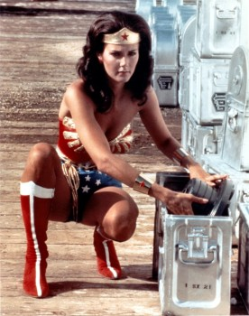 Lynda Carter: Sexy Wonder Woman Cap - MQ x 1