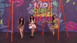 Victoria Justice - Kids Choice Awards 2014 Orange Carpet Interview 720p