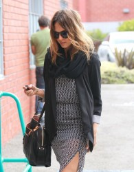 Jessica Alba - Arriving to her office in Santa Monica 5/21/14