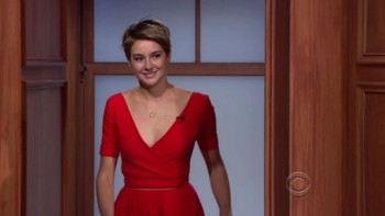 SHAILENE WOODLEY - CLEAVAGE(for her) The Late Late Show 05.27.14