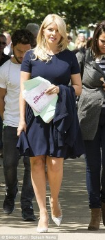 Holly Willoughby - This Morning - x 5