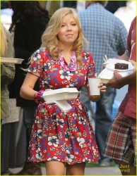 Jennette McCurdy in hawaiian dress on set of Swindle 10/6/12