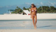 Kate Upton in Cook Islands 2014