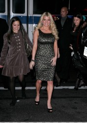 Jessica Simpson�s heel gets stuck in a grate arriving at the 11th Annual Ace Awards Gala 11/5/07