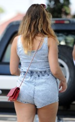 Kelly Brook Out in Venice Beach on July 2, 2014