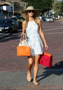 Paris & Nicky Hilton - Shopping in Malibu 7/5/14