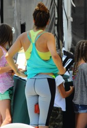 Brooke Burke at the Farmers Market in Malibu on July 6, 2014
