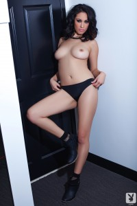 http://thumbnails109.imagebam.com/33806/fa2321338055148.jpg