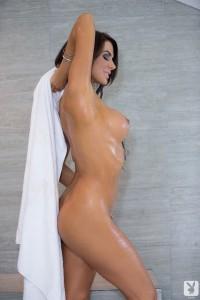 http://thumbnails109.imagebam.com/33807/9640e7338064063.jpg