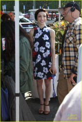 Meryl Davis looking adorable on the set of 'Extra' at Universal Studios 3/13/14
