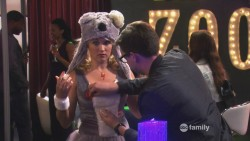 Emily Osment in Young & Hungry S01 E06