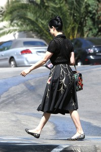 0f4ecd342187515 Dita Von Teese grabs breakfast at Stamp restaurant (July 30, 2014) candids