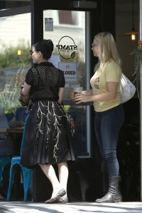 968aff342187551 Dita Von Teese grabs breakfast at Stamp restaurant (July 30, 2014) candids