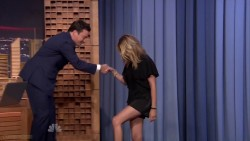 Julia Roberts | The Tonight Show | July 31, 2014 | 720p Leggy