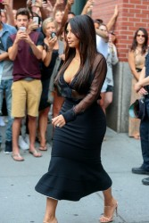 Kim Kardashian - Leaving her apartment in NYC 8/11/14