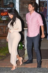 Kim Kardashian - Going to Pellegrino's Pizza Bar & Restaurant in Southampton, NY 8/13/14