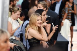 1c98d3346461862 Chloe Grace Moretz   Los Angeles premiere of If I Stay   August 20, 2014   30 HQ candids