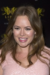 Tanya Burr attends the Lipsy VIP Fashion Awards 2013 5/28/13