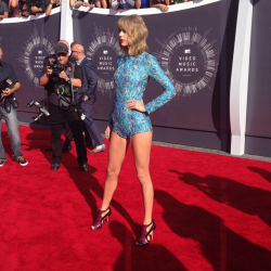 Taylor Swift - 2014 MTV Video Music Awards in Inglewood 8/24/14