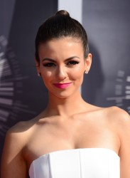 Victoria Justice – 2014 MTV Video Music Awards, Inglewood August