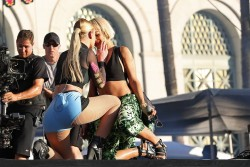 dba1b0348522734 Iggy Azalea and Rita Ora performing (almost kissing) at the 2014 Budweiser Made in America Festival in Los Angeles   August 30, 2014   48 HQ candids