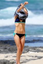 Jordana Brewster wearing a Bikini in Hawaii 30-08-2014