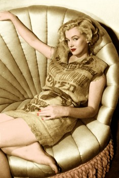 Marilyn Monroe - 1 Picture - Colored by me:)