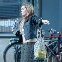 Abigail Breslin out and about candids 5