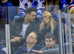 AnnaSophia Robb @ New York Rangers game 10/12/14