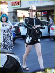 Iggy Azalea - Leaving a nail salon in LA 10/15/14